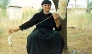 Λαογραφία: Η επεξεργασία στα μαλλιά των προβάτων τα παλιά χρόνια στην Κρήτη μέσα από μαντινάδες